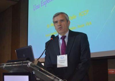 """Dr. Munir Hazbún en su presentación """"Ébola en USA: Una experiencia personal"""""""