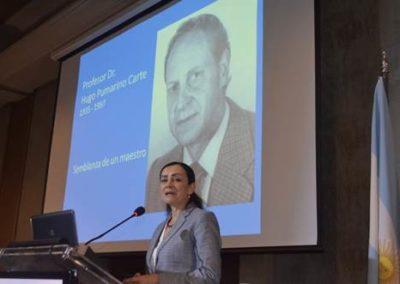 Dra. Sofía Oviedo realizó la semblanza del homenaje al Dr. Hugo Pumarino.