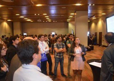 Gran interés generó la presentación de trabajos en tótems electrónicos.