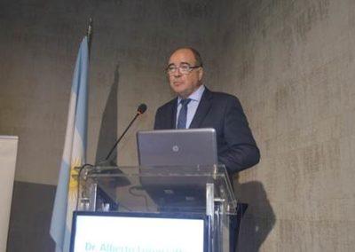 """Dr. Alberto Lorenzatti en su presentación """"Papel de los iPCSK9 en el riesgo cardiovascular""""."""