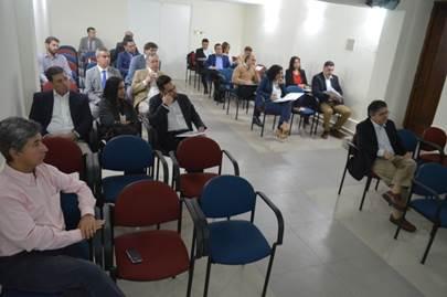 Representantes de la Industria y los Dres. Marcelo Llancaqueo (Vicepresidente de la SMS) y Eduardo Valenzuela (Tesorero de la SMS).